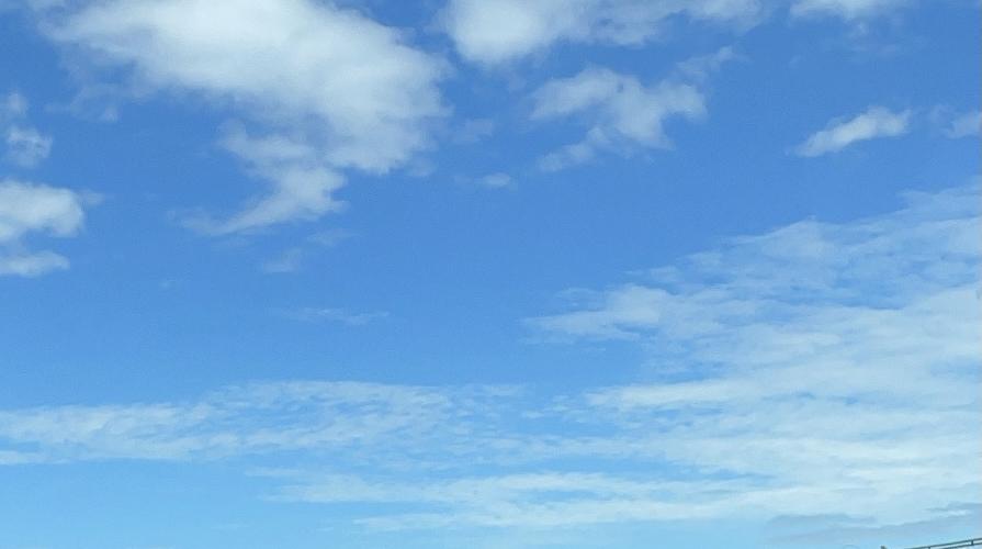 夏の青い空☁️