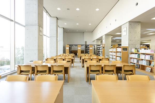 常磐会学園図書館